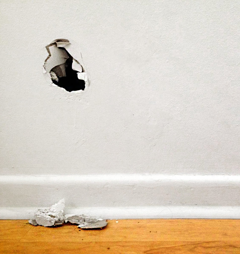 hole+in+the+wall